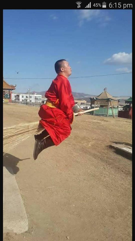 """31697426_2613098045581907_5416273494801383424_n Энд тэндгүй ниссэн хүмүүс, монголчууд бүгд """"нисдэг"""" болжээ"""