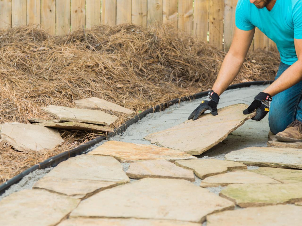 6 Цөөхөн материал ашиглан чулуун зам тавих арга