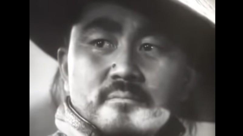 904e6e590557e7cc2db650bfe2498c9a Монголын уран сайхны киноны 10 эсрэг дүр