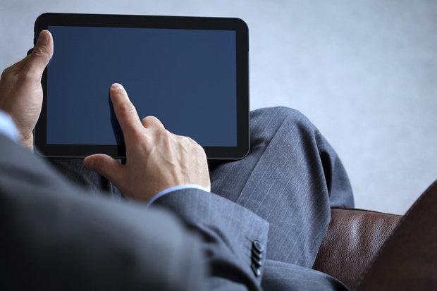 business-man-working-on-digital-tablet-153986794-100264707-primary.idge_ Дугуй унаж, бариу дотуур өмд өмсвөл үргүй болно