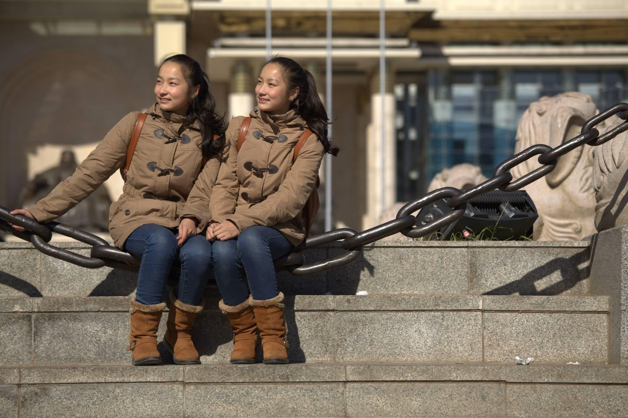 """Н_Мөнхшүр-Н_Энхшүр11 Ихэр охид """" Гайхамшигт хүмүүс """" нэвтрүүлэгт оролцохоор Москваг зорилоо"""