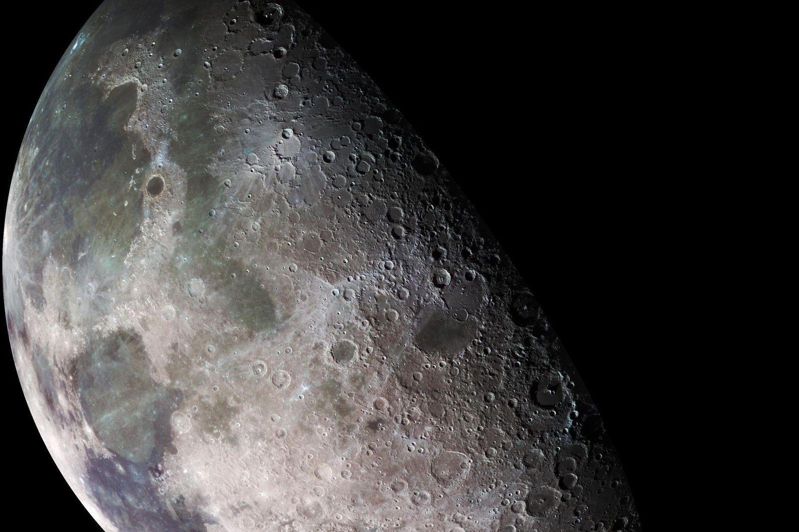 08bc03_moon_surface_x974 Саран дээр ус байгааг баталлаа