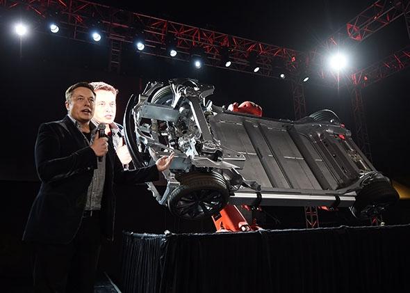 141030_FUT_ElonMusk.jpg.CROP_.promo-mediumlarge Элон Маск: Би чиний хэнд ч хэрэггүй фэйсбүүкийг чинь сервертэй нь цуг устгана