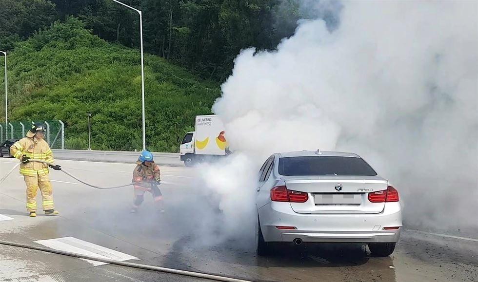 346dec__mw_fire_1_x974 Өмнөд Солонгост BMW машинууд гэнэт шатах болжээ