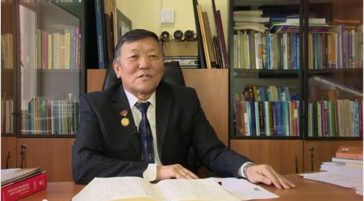 712-1535675130өнөрбаян_МУГБ Ц.Өнөрбаян: Монгол хэл олон аялгуутай учир мөхөх аюулаас хол байдаг