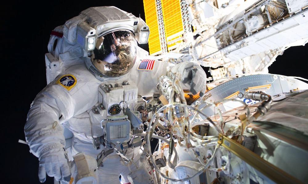 International-Space-Station-1 Сансрын Станцад цоорхой гарч, хүчилтөрөгч алдагджээ