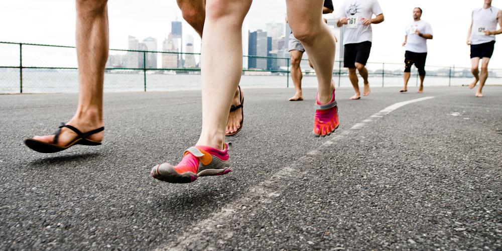 precision-nutrition-barefoot-running Олон улсын марафончид хөл нүцгэн уралдана