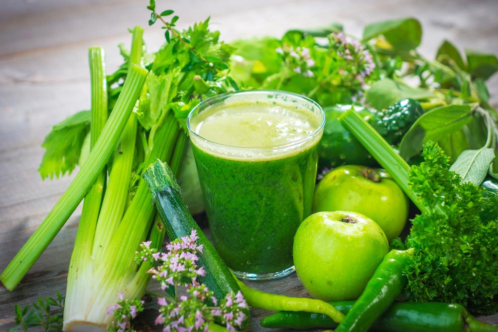 Green-Smoothie-with-Apple-Celery-and-Spinach Өөхийг уйлуулах шидэт 9 хүнсний бүтээгдэхүүн