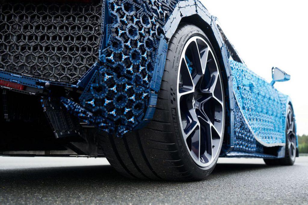 lego_technik_bugatti_chiron_5-1024x683 Лего тоглоомоор бүтсэн анхны  Bugatti Chiron машиныг амжилттай туршилаа