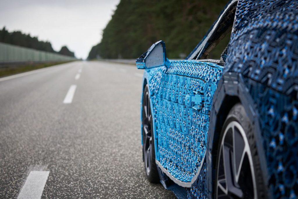 lego_technik_bugatti_chiron_6-1024x683 Лего тоглоомоор бүтсэн анхны  Bugatti Chiron машиныг амжилттай туршилаа