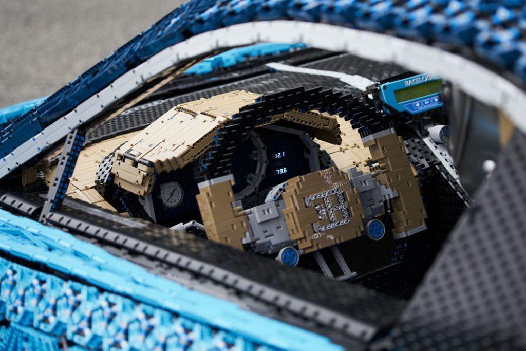 lego_technik_bugatti_chiron_7-1024x683 Лего тоглоомоор бүтсэн анхны  Bugatti Chiron машиныг амжилттай туршилаа