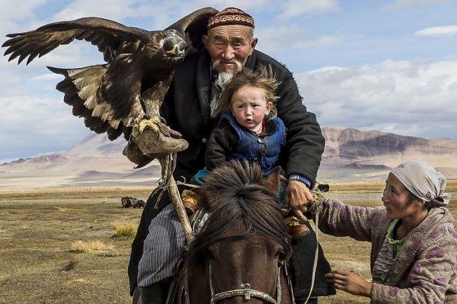 1 Монгол орны баруун хязгаарт авсан гэрэл зураг тэргүүн байранд шалгарчээ