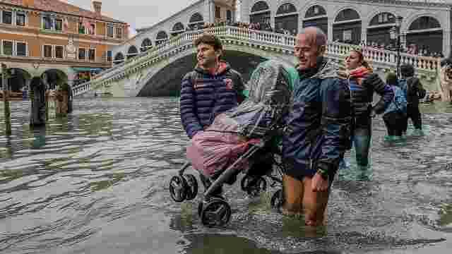 29906170001_5855007691001_5855001078001-vs Венец хот жилд дөрвөн удаа усанд автжээ
