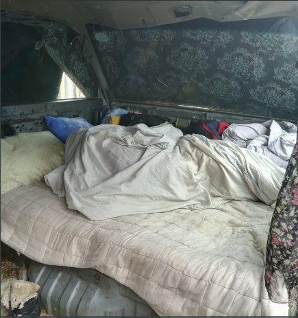 42919957_1877883302296626_6813507432287830016_n Эвдэрхий машинд гурван хүүхдийн хамтаар амьдарч байсан эмэгтэй гэртэй боллоо