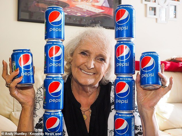 great-grandmother-77-has-drunk-nothing-other-than-four-cans-of-pepsi-since-1954-3 Өнгөрсөн 60 жилийн турш зөвхөн Пепси уусан эмэгтэй