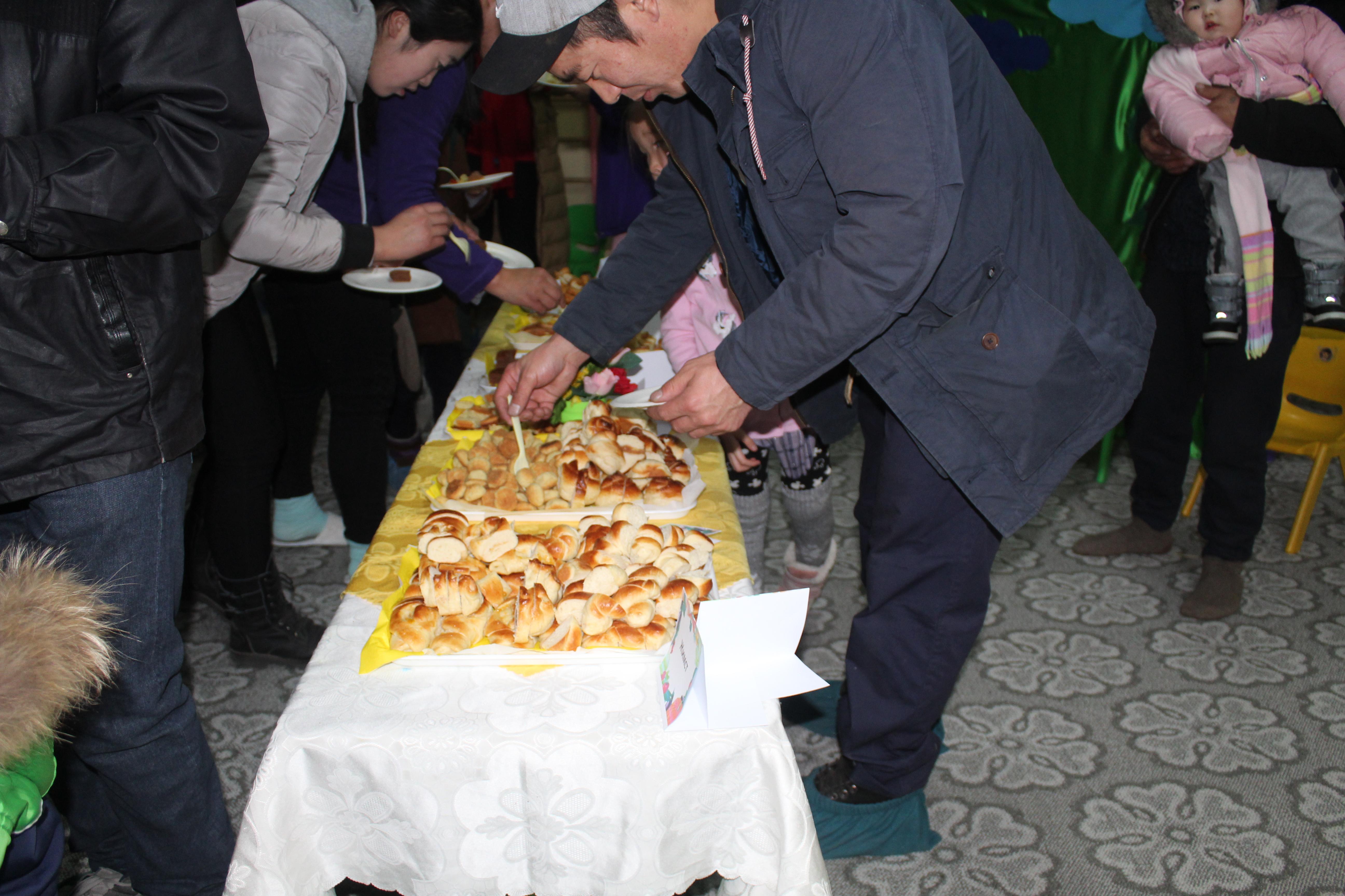 """IMG_0993 Эцэг эхчүүд """"Азийн хүүхдүүд"""" цэцэрлэгийн хоолны амталгаанд """"А"""" дүн тавив"""