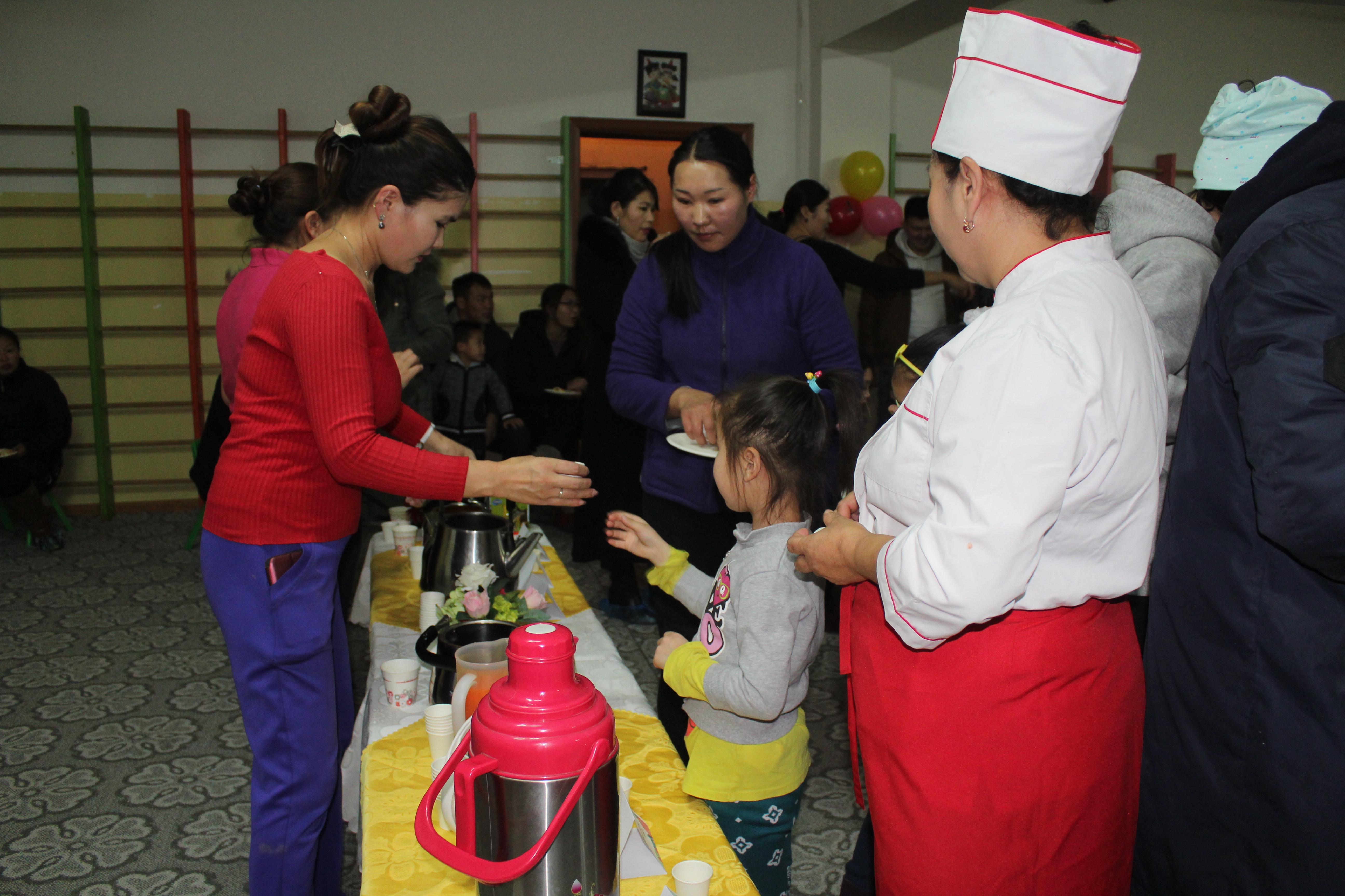 """IMG_0999 Эцэг эхчүүд """"Азийн хүүхдүүд"""" цэцэрлэгийн хоолны амталгаанд """"А"""" дүн тавив"""