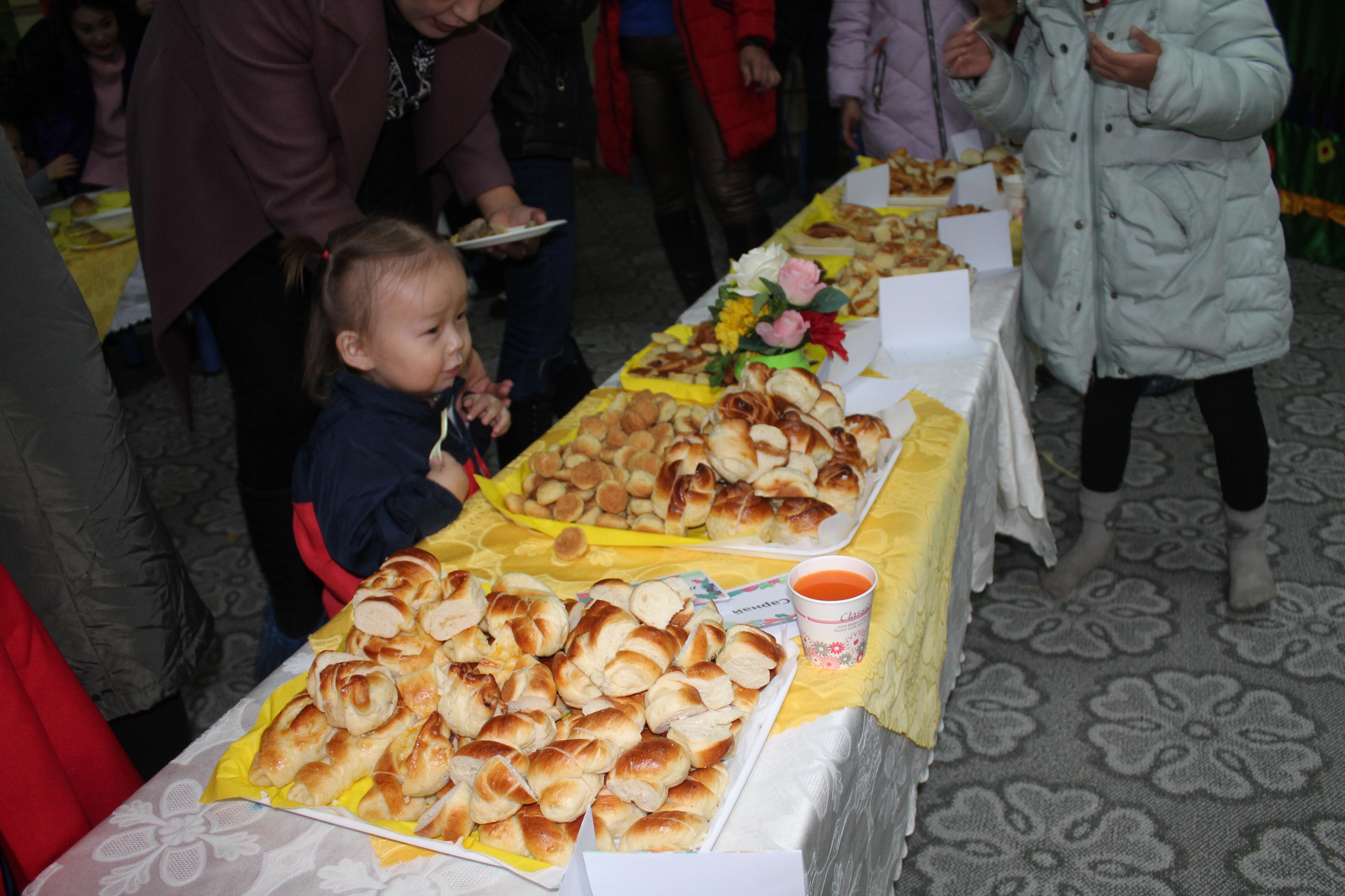 """IMG_1014 Эцэг эхчүүд """"Азийн хүүхдүүд"""" цэцэрлэгийн хоолны амталгаанд """"А"""" дүн тавив"""