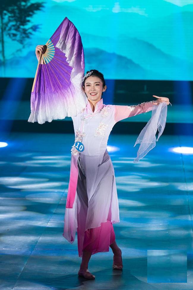 3-11 Монголын гоо бүсгүй Манжуурын миссээр шалгарав