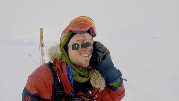 4-19 Антарктидыг цанаар ганцаараа туулсан анхны хүн