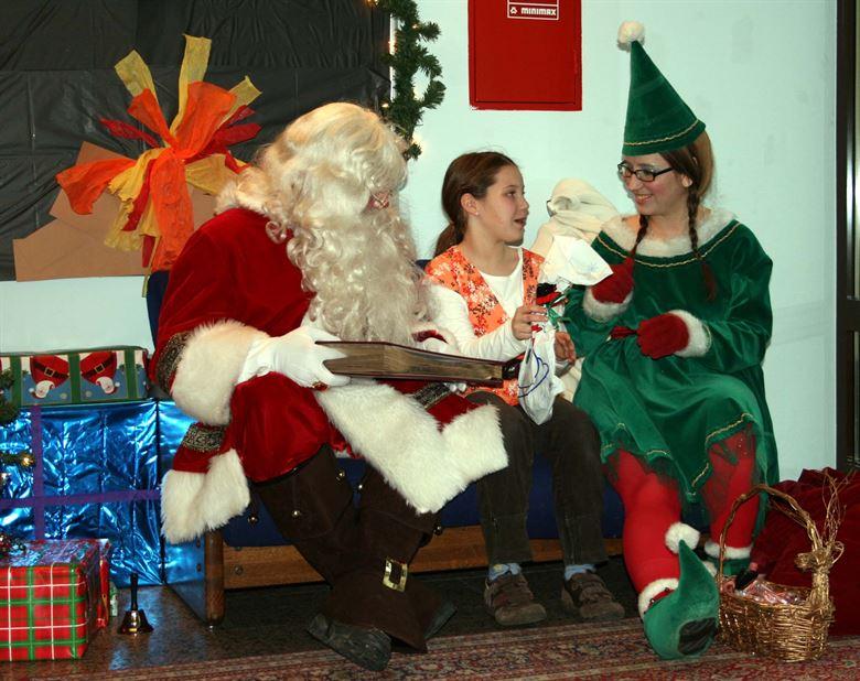 9-2 Герман Санта-Клаусын хомсдолд орж байна