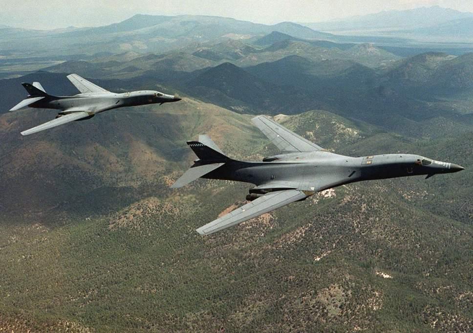 b-1b-lancer-bomber Террористуудын байршилд АНУ-ын агаарын цэргийн хүчин цохилт өгчээ