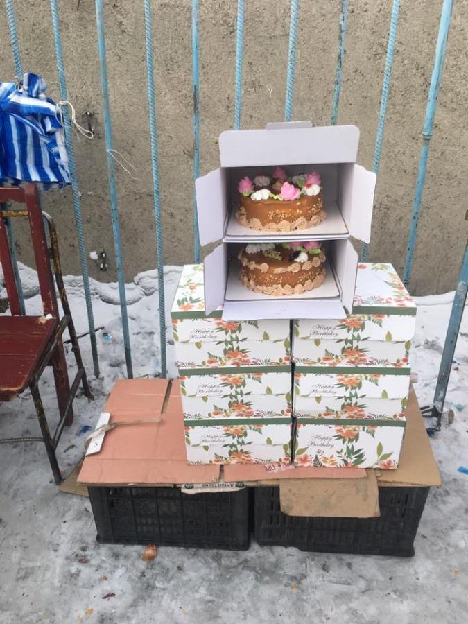 ecc86fd8947aaf255d0f274c7f801596 Үйлдвэрлэсэн хугацаа тодорхойгүй бялууг ил задгай, хөлдөөсөн байдлаар зарж байжээ