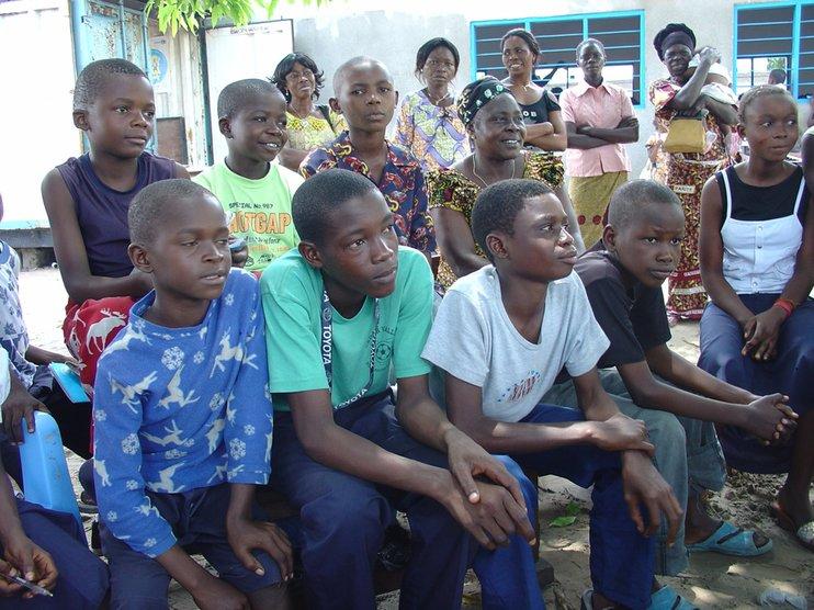 001-8 Иргэд нь хамгийн ядуу амьдралтай 10 улс