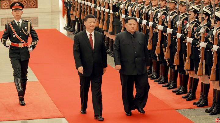 03-3 Ши Жиньпин Ким Жон Уны 35 насны төрсөн өдөрт зориулж хүндэтгэлийн зоог барьжээ