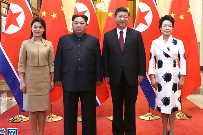 04-1 Ши Жиньпин Ким Жон Уны 35 насны төрсөн өдөрт зориулж хүндэтгэлийн зоог барьжээ