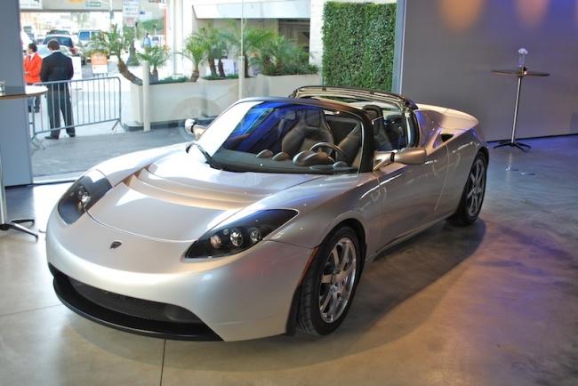 18345010-Tesla_Roadster_electric_car_DSC_0160-1513945459-650-b1ca9bbabd-1514480997 Дэлхийг шуугиулсан технологиудын үүссэн түүх
