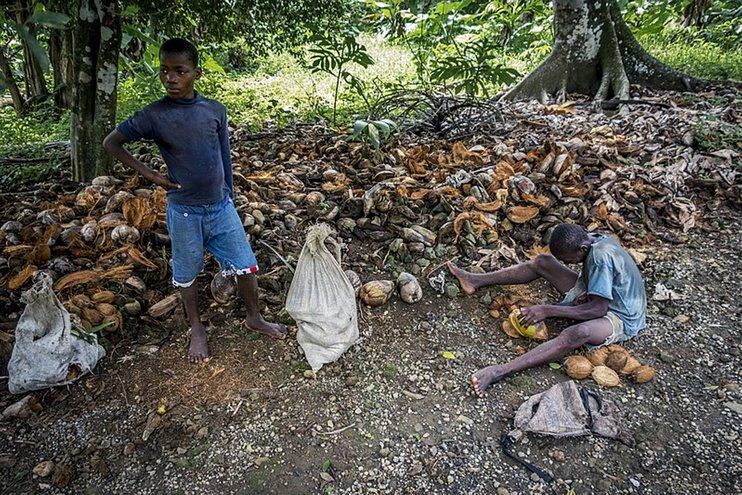 348532.742xp Иргэд нь хамгийн ядуу амьдралтай 10 улс