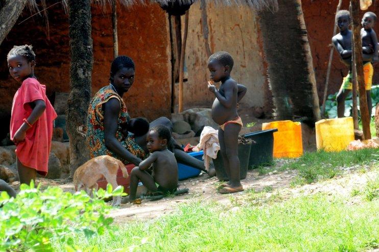 348533.742xp Иргэд нь хамгийн ядуу амьдралтай 10 улс
