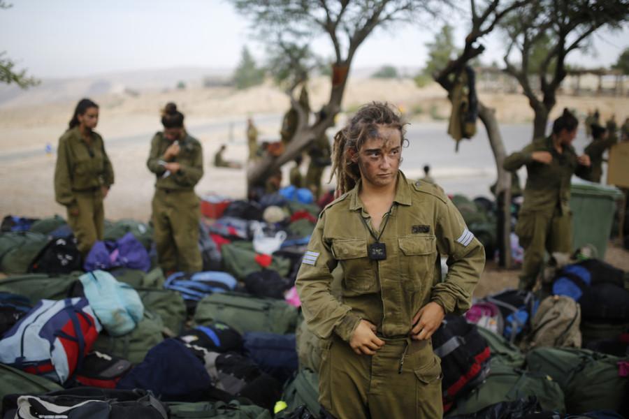 636-900x600 Израилийн армийн цэрэг үзэсгэлэнт охид