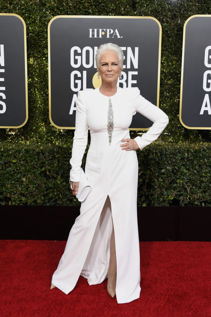 76th-annual-golden-globe-awards-pictured-jamie-lee-curtis-news-photo-1078332386-1546816531-683x1024 Алтан бөмбөрцөг 2019: Улаан хивсний ёслол