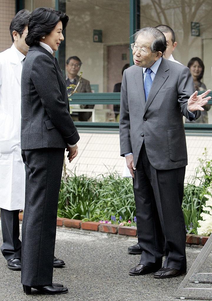 Dr.-Shigeaki-Hinohara 105 насалсан япон эмч эрүүл энх, урт удаан наслалтын нууцыг дэлгэв