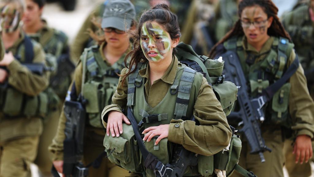 ISRAEL2_0 Израилийн армийн цэрэг үзэсгэлэнт охид