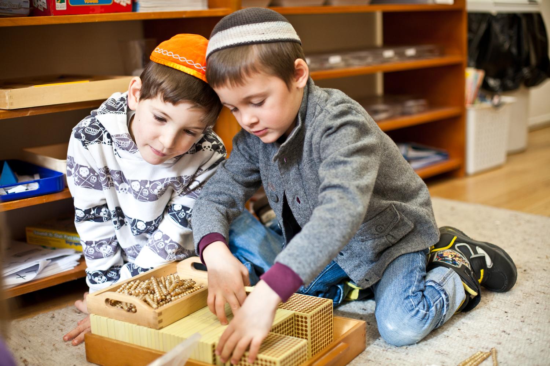 Luria-math-two-boys Еврей хүүхдүүдийг суут ухаантан болгон хүмүүжүүлдэг 7 арга