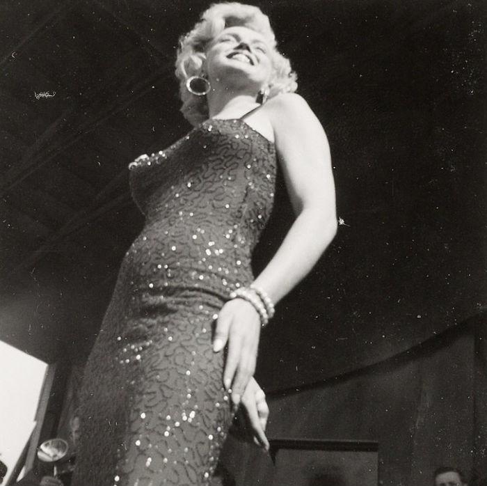 Photos-never-seen-before-Marilyn-Monroe-before-fame-will-go-to-the-auction-5ab16b7515b12__700 Мэрилин Монрогийн олонд дэлгэгдэж байгаагүй зургууд