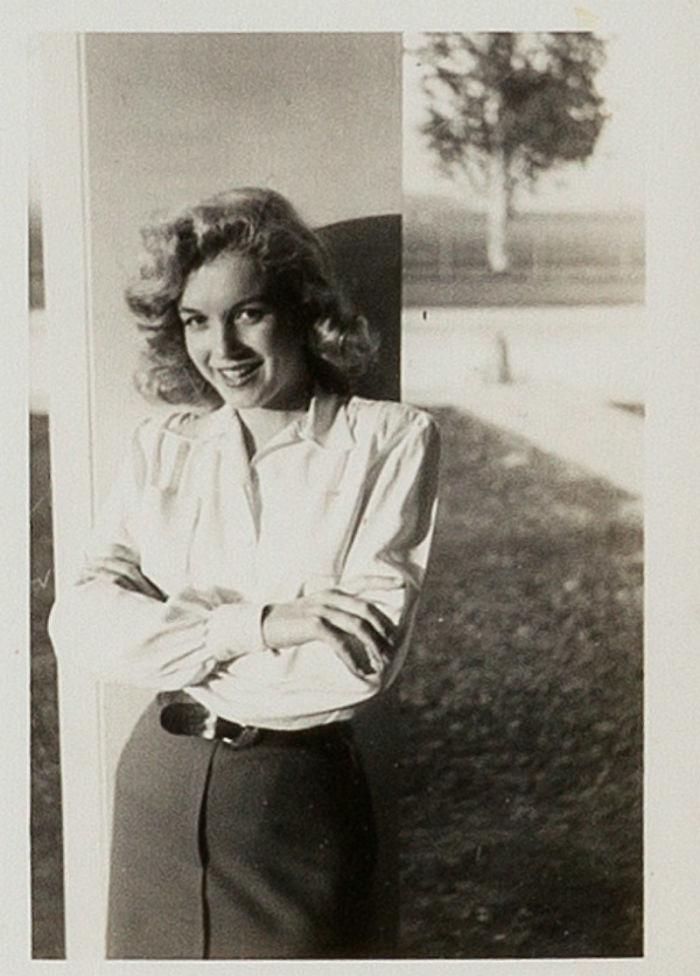 Photos-never-seen-before-Marilyn-Monroe-before-fame-will-go-to-the-auction-5ab16b7e743b0__700 Мэрилин Монрогийн олонд дэлгэгдэж байгаагүй зургууд