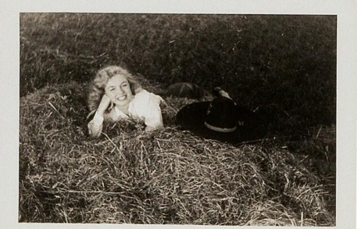 Photos-never-seen-before-Marilyn-Monroe-before-fame-will-go-to-the-auction-5ab16b82ac2d4__700 Мэрилин Монрогийн олонд дэлгэгдэж байгаагүй зургууд
