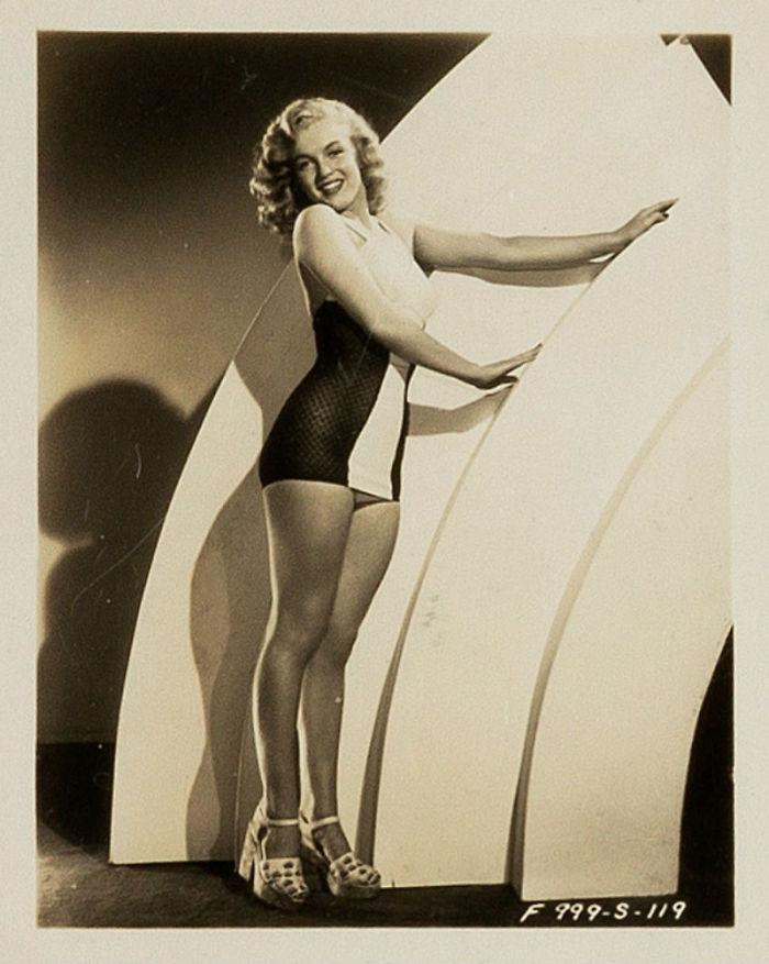 Photos-never-seen-before-Marilyn-Monroe-before-fame-will-go-to-the-auction-5ab16bab38b0f__700 Мэрилин Монрогийн олонд дэлгэгдэж байгаагүй зургууд