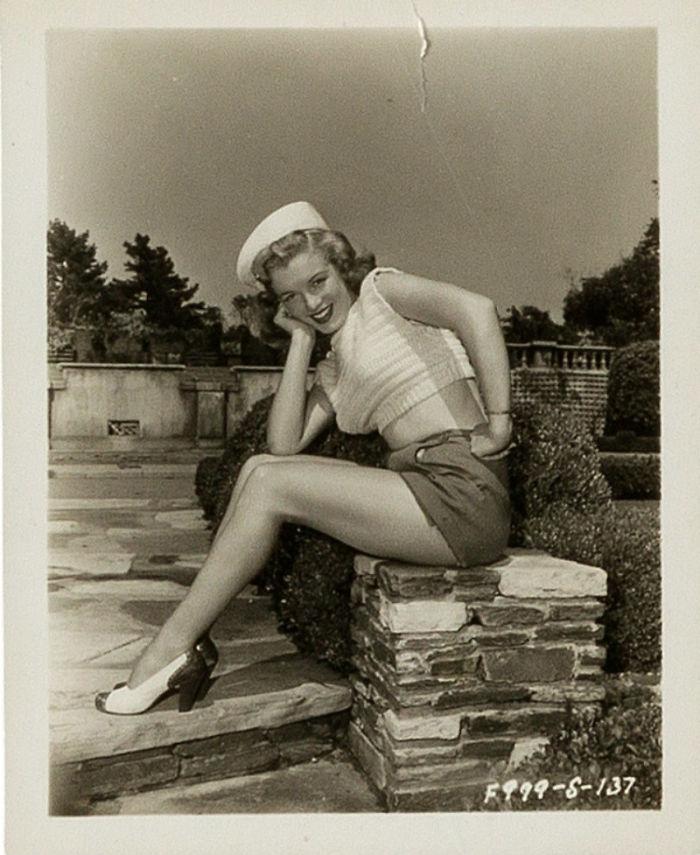 Photos-never-seen-before-Marilyn-Monroe-before-fame-will-go-to-the-auction-5ab16bafa8563__700 Мэрилин Монрогийн олонд дэлгэгдэж байгаагүй зургууд