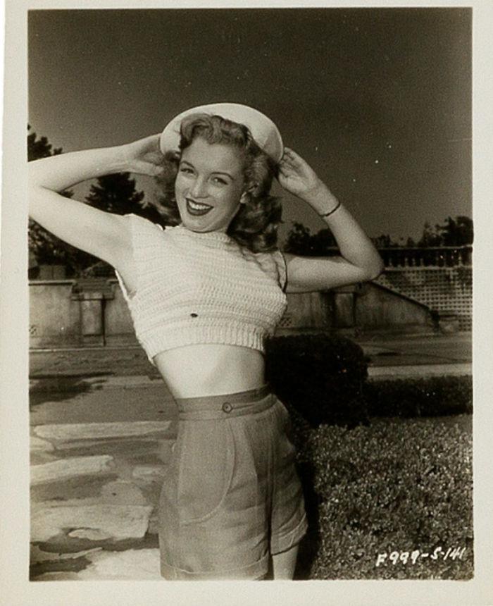 Photos-never-seen-before-Marilyn-Monroe-before-fame-will-go-to-the-auction-5ab16bb5936e7__700 Мэрилин Монрогийн олонд дэлгэгдэж байгаагүй зургууд