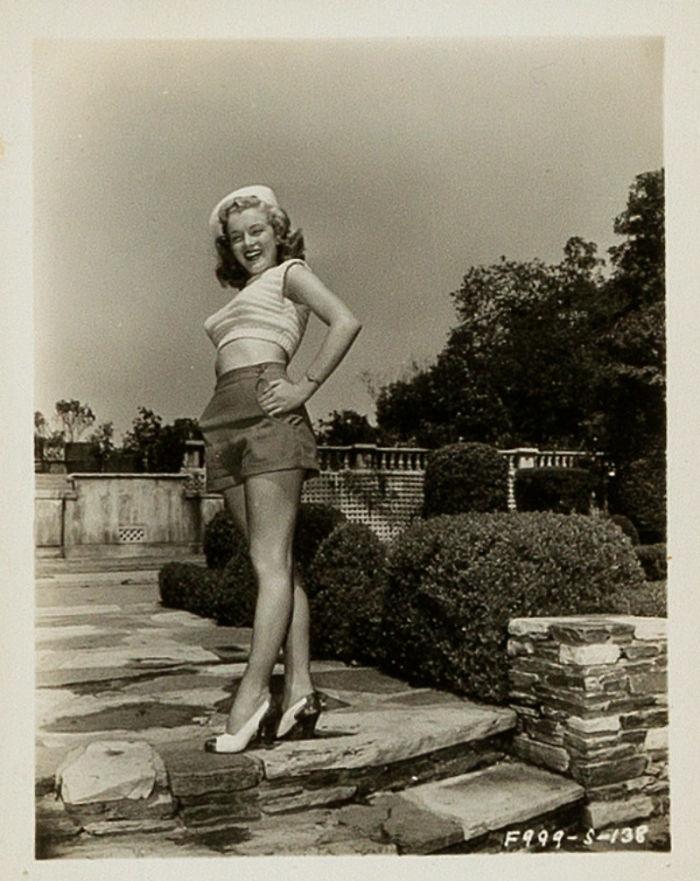 Photos-never-seen-before-Marilyn-Monroe-before-fame-will-go-to-the-auction-5ab16bbaa9c19__700 Мэрилин Монрогийн олонд дэлгэгдэж байгаагүй зургууд