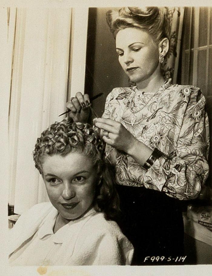 Photos-never-seen-before-Marilyn-Monroe-before-fame-will-go-to-the-auction-5ab16bc017949__700 Мэрилин Монрогийн олонд дэлгэгдэж байгаагүй зургууд