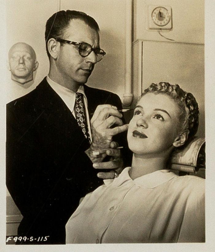 Photos-never-seen-before-Marilyn-Monroe-before-fame-will-go-to-the-auction-5ab16bc480acf__700 Мэрилин Монрогийн олонд дэлгэгдэж байгаагүй зургууд