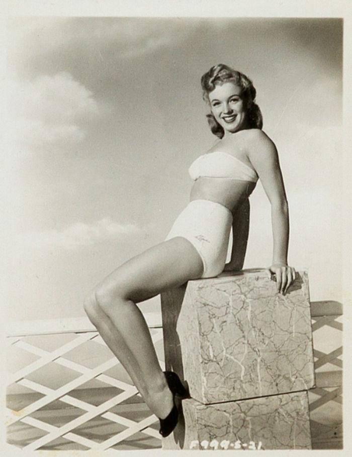 Photos-never-seen-before-Marilyn-Monroe-before-fame-will-go-to-the-auction-5ab16bce1b120__700 Мэрилин Монрогийн олонд дэлгэгдэж байгаагүй зургууд