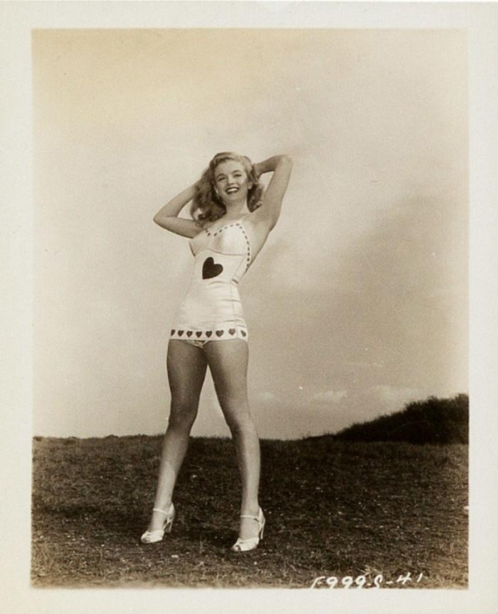 Photos-never-seen-before-Marilyn-Monroe-before-fame-will-go-to-the-auction-5ab16bd40259c__700 Мэрилин Монрогийн олонд дэлгэгдэж байгаагүй зургууд