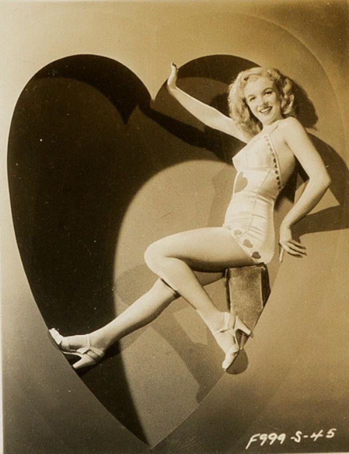 Photos-never-seen-before-Marilyn-Monroe-before-fame-will-go-to-the-auction-5ab16bdc55d98__700 Мэрилин Монрогийн олонд дэлгэгдэж байгаагүй зургууд